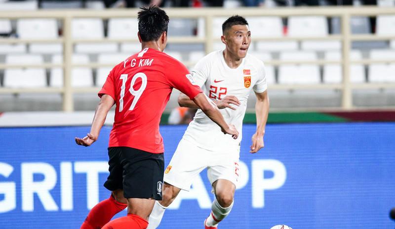亚洲杯-国足0:2不敌韩国收获小组第二