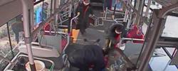 司机乘客用行动诠释泉城人担当天寒人心暖,发生在济南公交车厢内的一幕,温暖了无数人的心。[阅读]